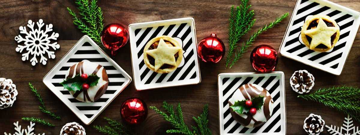 christmas mince pies on plates