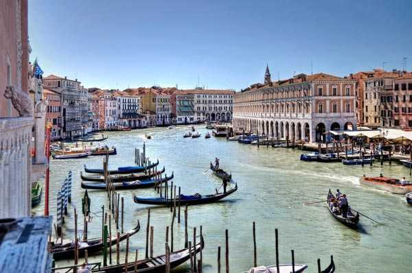 venice town river