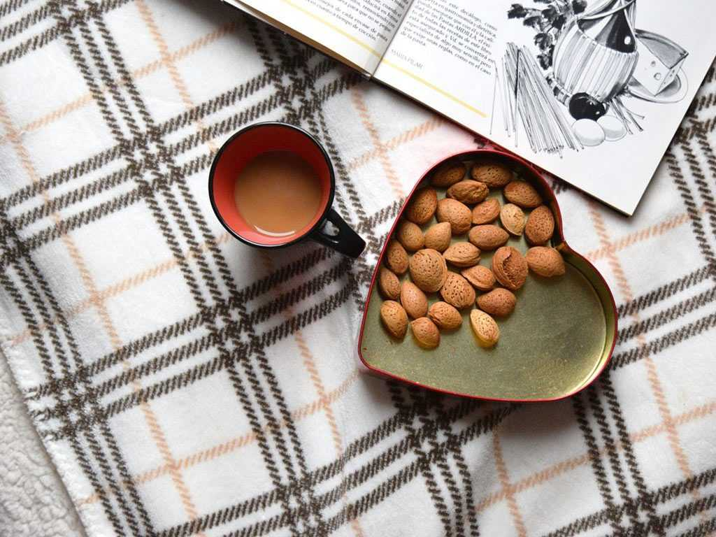 coffee with almonds