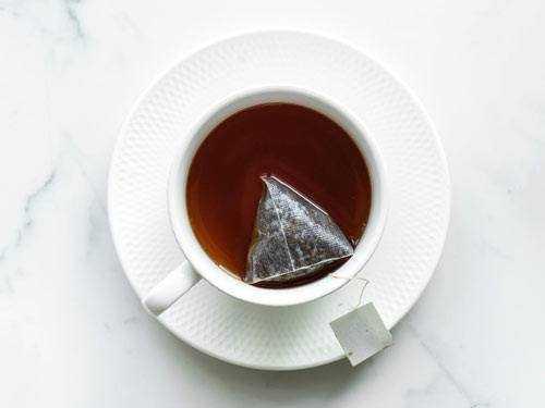 teabag in mug
