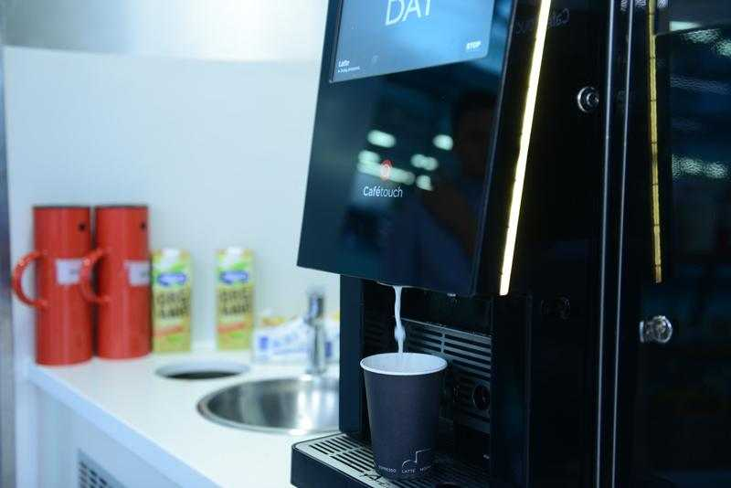cafetouch dispensing milk